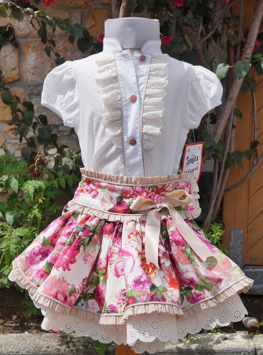 dad29be3b Traje de niña con falda de flores y camisa mod. 706